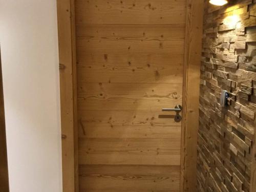 Porte intérieure en bois rétifié brossé.jpg