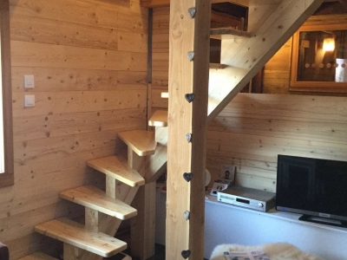 escalier en sapin du nord.jpg